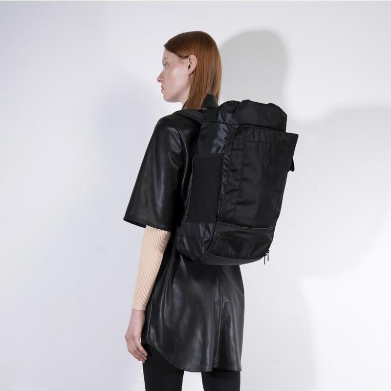 PINQPONQ Mochila Blok Medium - Polished Black