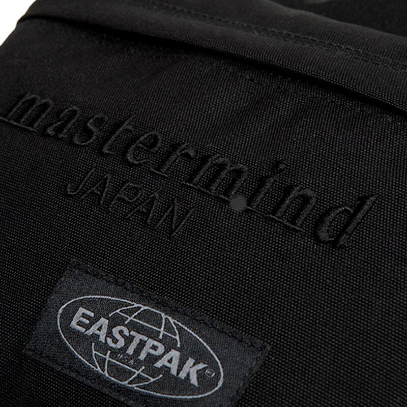 EASTPAK x MASTERMIND Mochila Pakr - Black